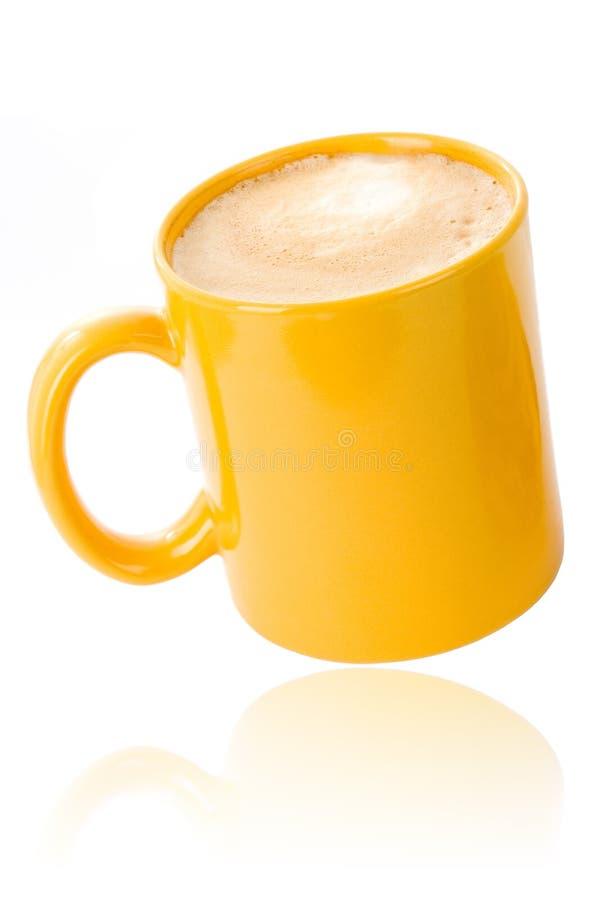 Tazza di caffè gialla fotografia stock libera da diritti