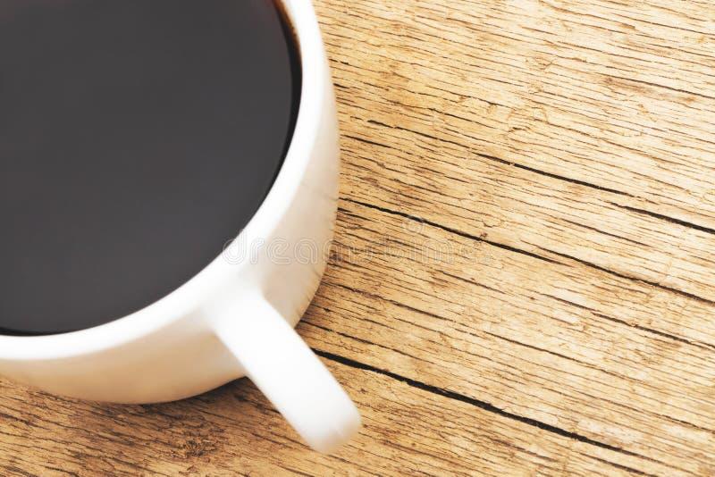 Tazza di caffè nero - colpo alto vicino dello studio Immagine filtrata: effetto d'annata elaborato incrocio immagini stock