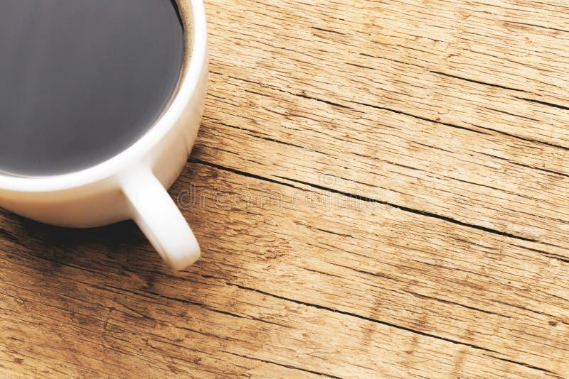 Tazza di caffè nero - colpo dello studio Immagine filtrata: effetto d'annata elaborato incrocio fotografia stock libera da diritti