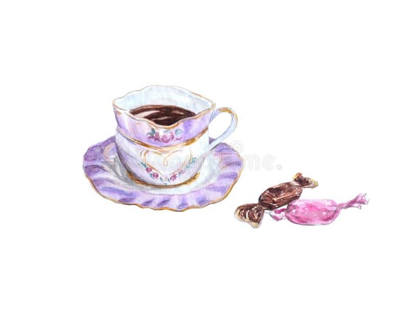 Tazza di caffè nero con le caramelle nei toni rosa isolate su fondo bianco fotografie stock libere da diritti
