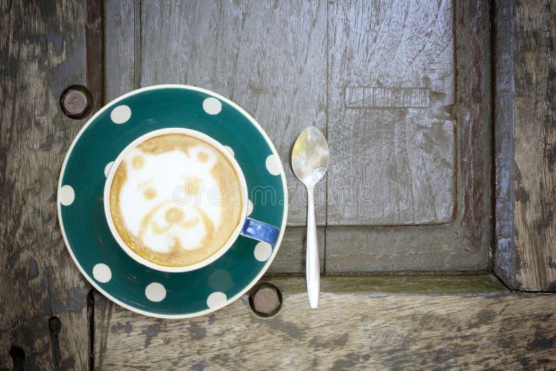 Tazza di caffè sulle tavole di legno - immagini d'annata di stile di effetto immagini stock libere da diritti