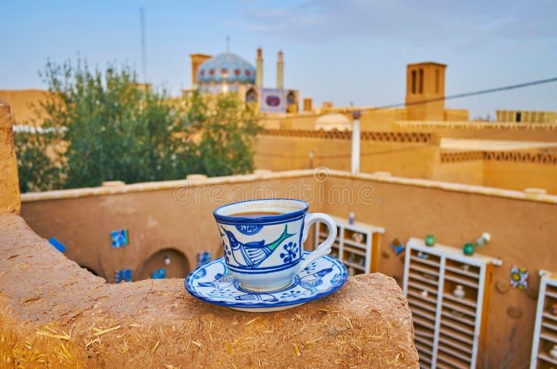 Tazza di caffè in vecchio Yazd, Iran immagini stock libere da diritti