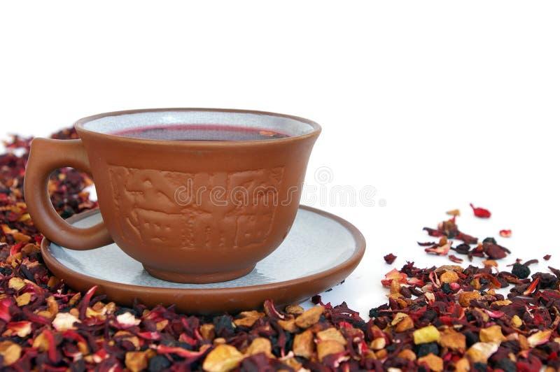 Tazza di ceramica di tè di erbe fotografia stock