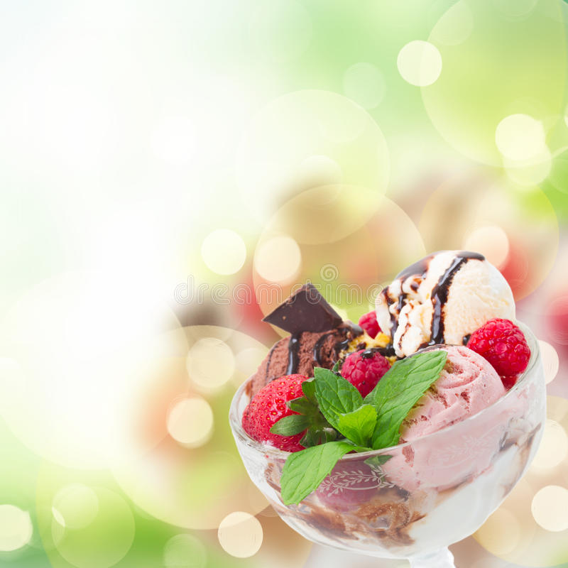 Tazza di gelato immagine stock libera da diritti