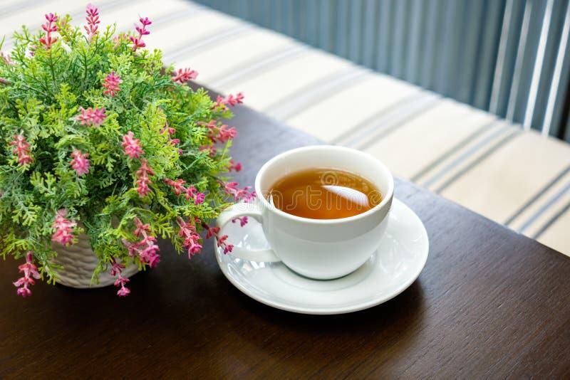 Tazza di tè e del vaso fotografie stock