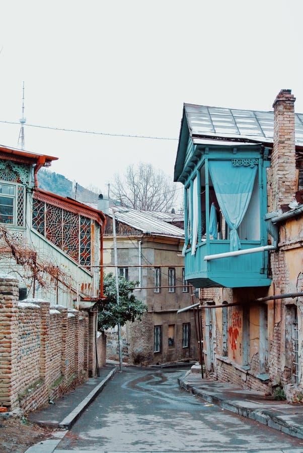 TBILISI, ΓΕΩΡΓΙΑ - 1 ΙΑΝΟΥΑΡΊΟΥ 2016: Χειμερινή άποψη σε μια οδό του χ στοκ εικόνες