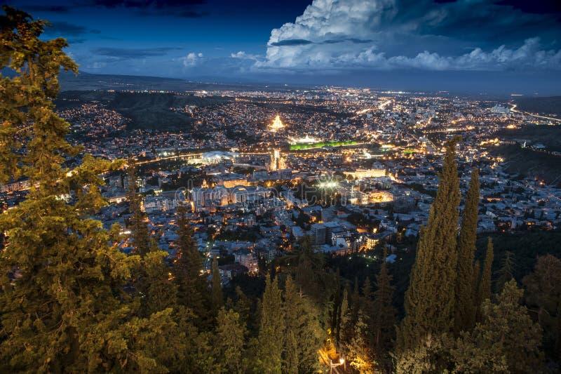 Tbilisi in de nacht royalty-vrije stock foto's