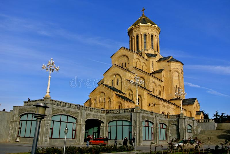 Tbilisi/Georgië - December 29, 2012: De Heilige Drievuldigheidskathedraal, die algemeen als Sameba wordt bekend royalty-vrije stock foto's