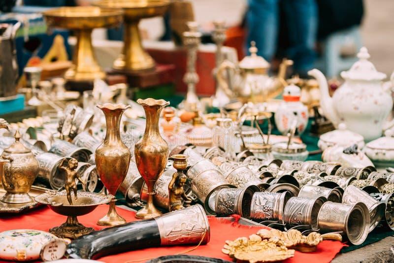 Tbilisi, Georgië Winkelvlooienmarkt van Antiquiteiten Oude Retro Wijnoogst royalty-vrije stock fotografie