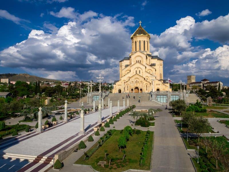 Tbilisi Georgia_St Treenighetdomkyrka fotografering för bildbyråer