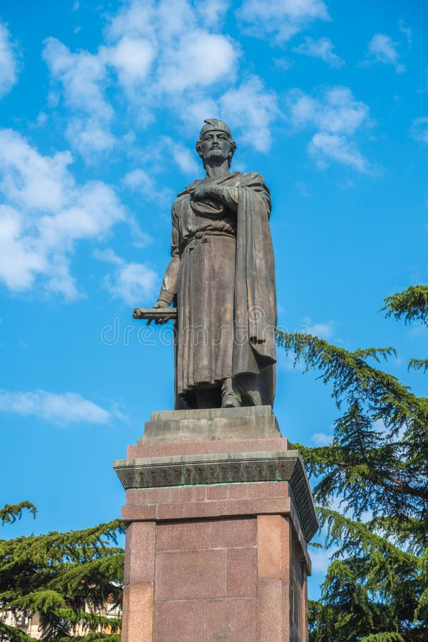 Tbilsi,乔治亚- 30 08 2018年:12世纪格鲁吉亚po雕象  库存照片