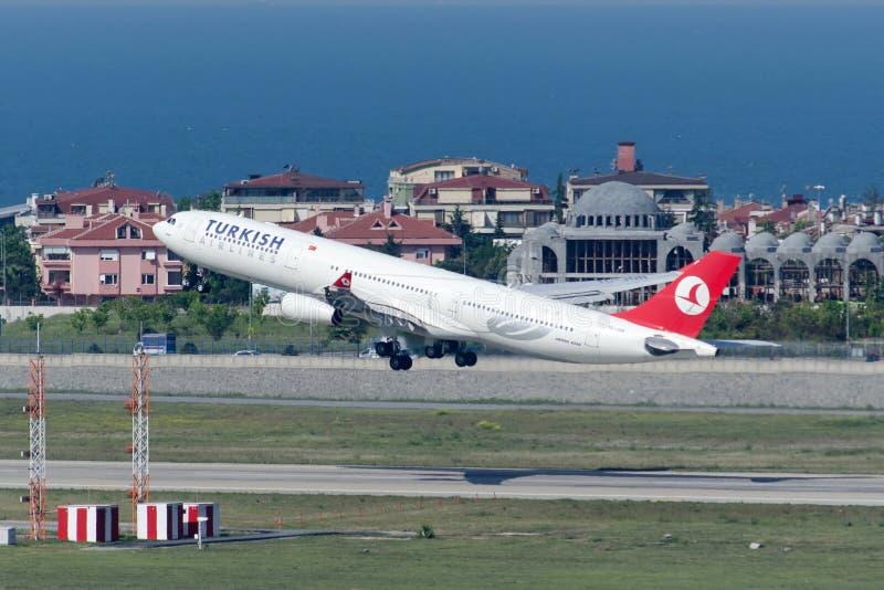 TC-JDN Turkish Airlines Airbus A340-313X l'ADANA immagine stock libera da diritti