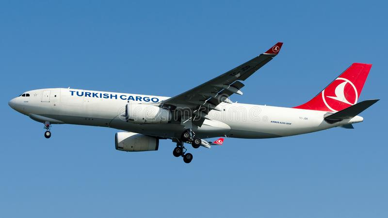 Tc-JDR Turkish Airlines-Lading, Luchtbus A330-200F stock fotografie