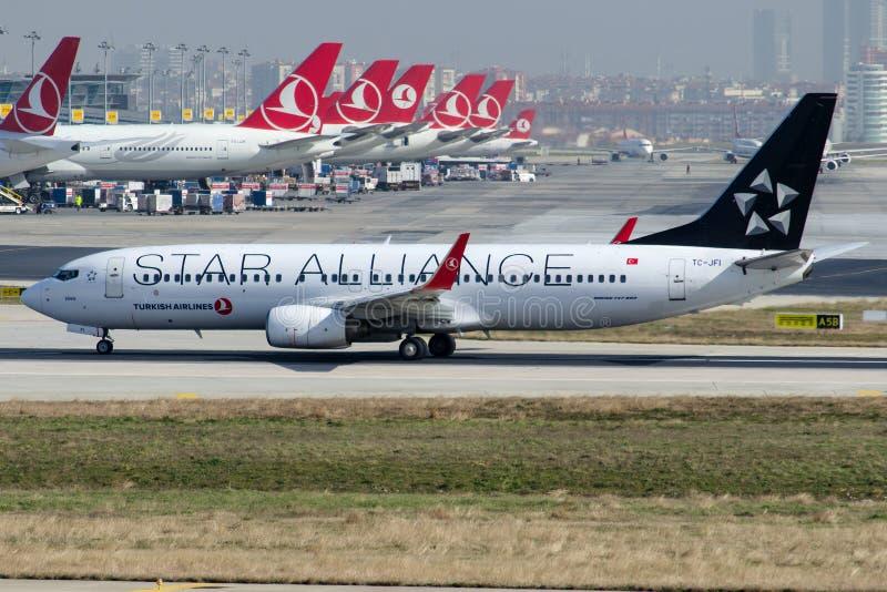 TC-JFI Turkish Airlines, Boeing 737-8F2 SIVAS, livrée de Star Alliance photo stock