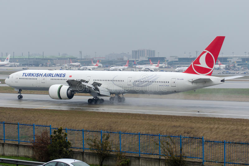 TC-JJG Turkish Airlines, Boeing 777-3F2ER YILDIZ image libre de droits