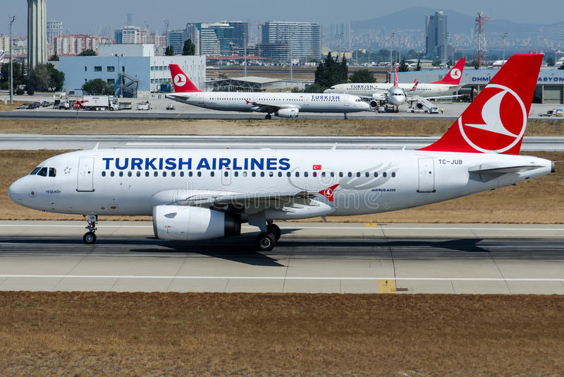 TC-JUB Turkish Airlines, Airbus A319-132 named YESILKOY stock photos