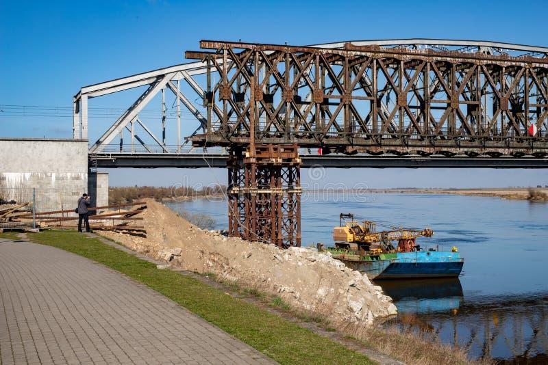 Tczew pomorskie, Polska, Marzec,/-, 28, 2019: Remont stary historyczny Lisewski most Odbudowa Vistula skrzyżowanie fotografia royalty free