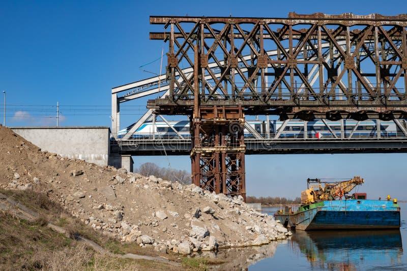 Tczew pomorskie, Polska, Marzec,/-, 28, 2019: Remont stary historyczny Lisewski most Odbudowa Vistula skrzyżowanie fotografia stock