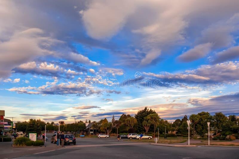 TE ANAU, FIORDLAND/NUEVA ZELANDA - 17 DE FEBRERO: Admiración incluso imágenes de archivo libres de regalías