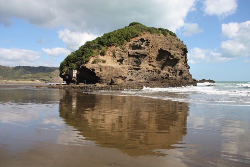 Te Henga Beach foto de stock