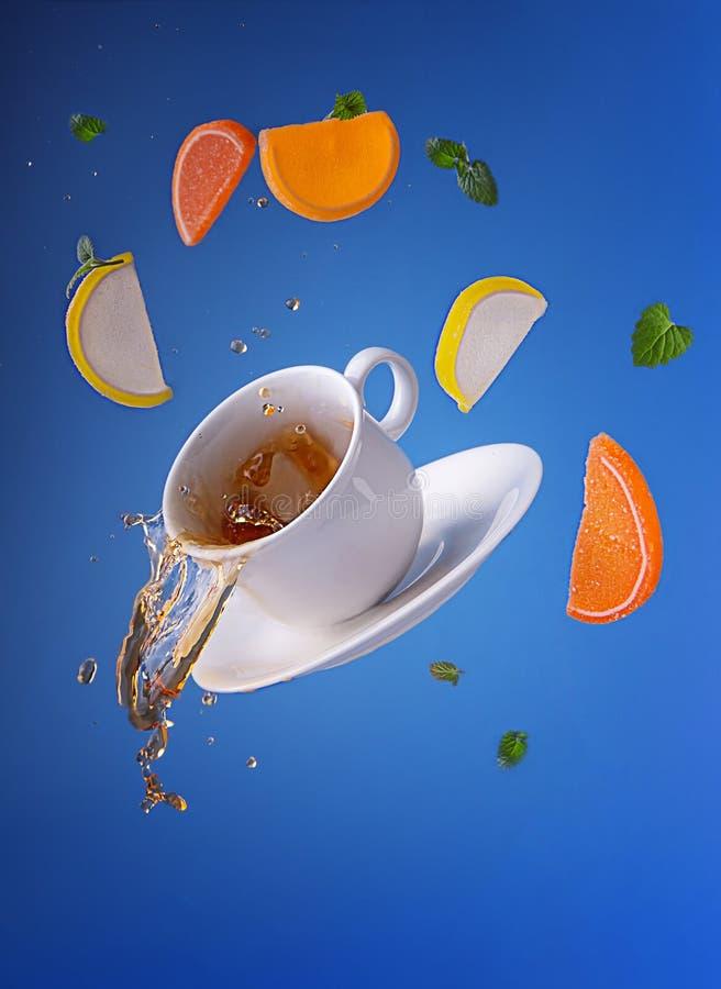 Te med citrus marmelad royaltyfri foto
