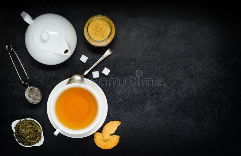 Download Te Med Tekannan Och Ingredienser Fotografering för Bildbyråer - Bild av medf8ort, ingredienser: 78726903