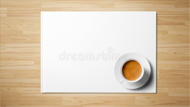 Te på vitbok på träbakgrund fotografering för bildbyråer