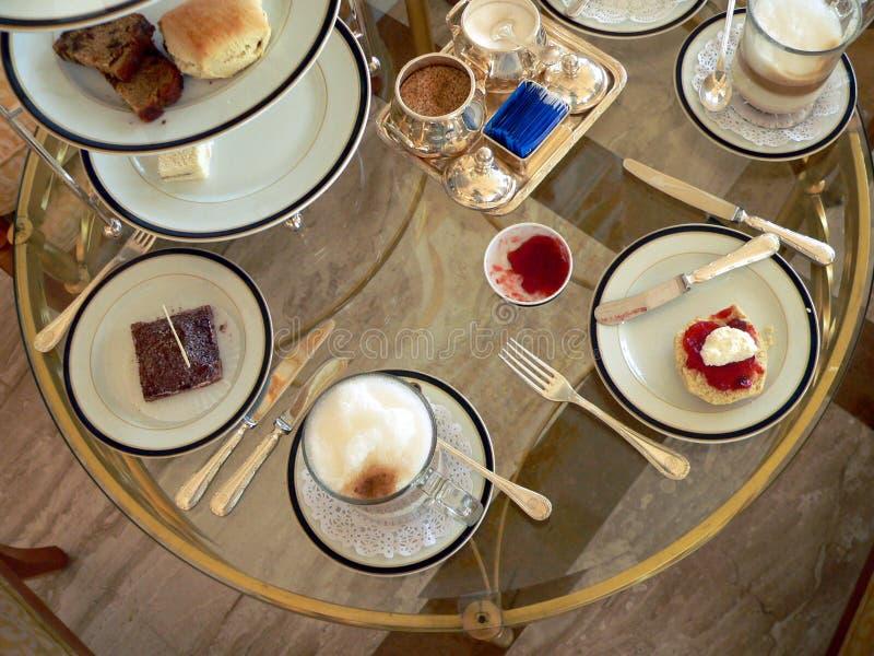 tea för tabell för flyg- brunei high set royaltyfri foto