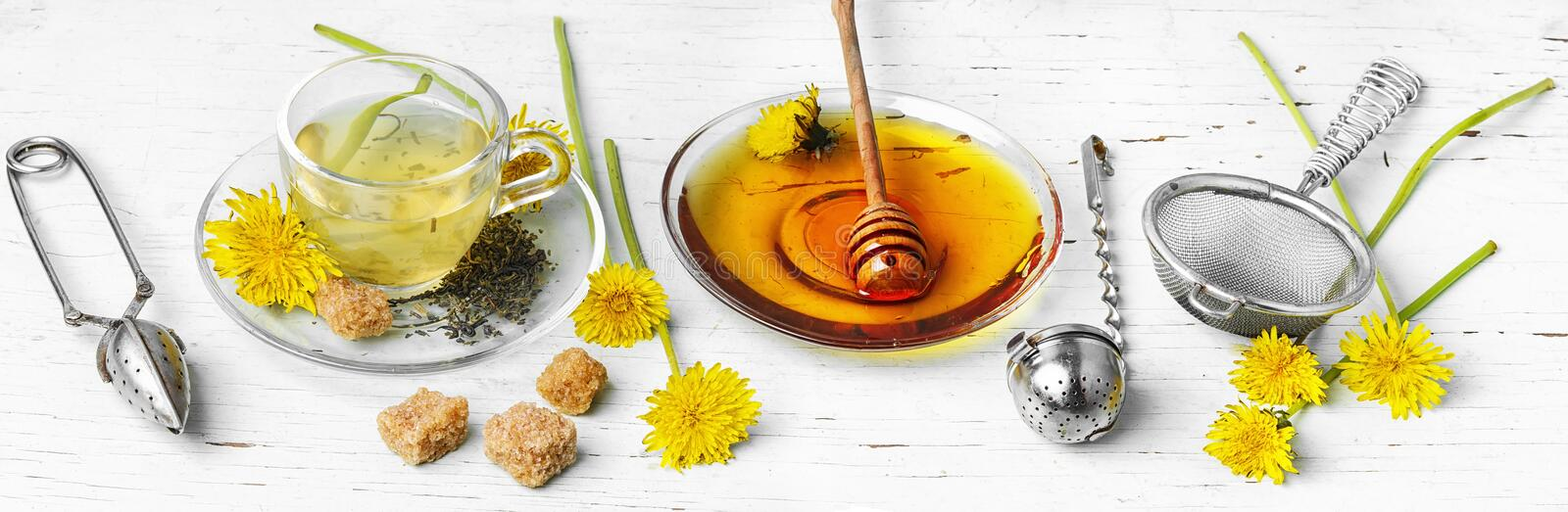 Tea with honey dandelion royalty free stock images