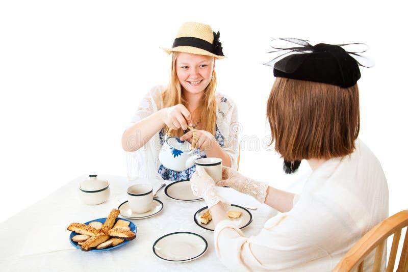 Tea party adolescente - derramando foto de stock royalty free