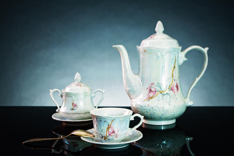 Download Tea Set Royalty Free Stock Images - Image: 15876879