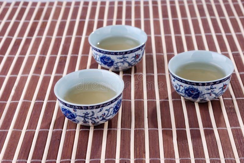 Teacups blu e bianchi della porcellana immagine stock libera da diritti