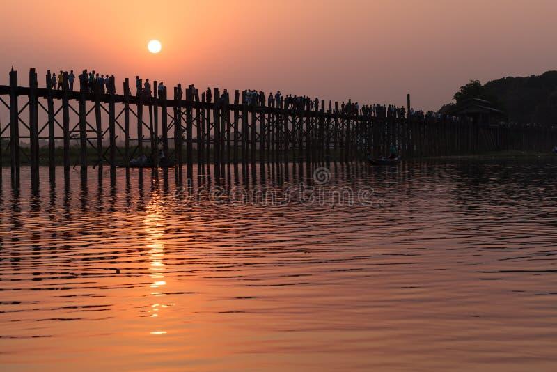 Teakwood U Bein most, Myanmar obraz stock