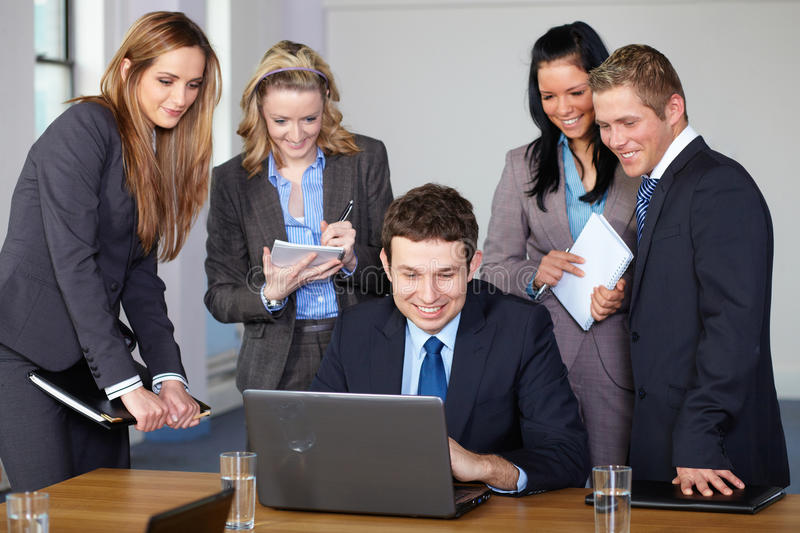 Download Team Of 5 Business People During Meeting Stock Image - Image: 21753629