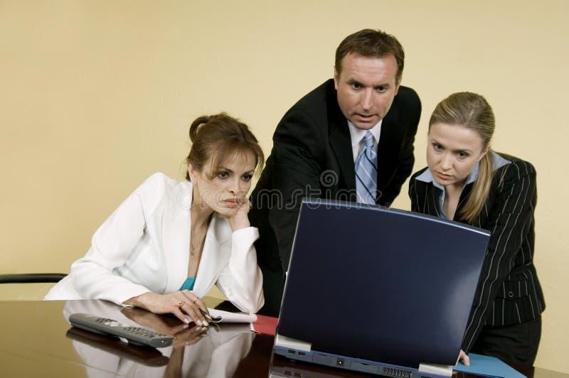 Team bei der Arbeit lizenzfreie stockfotos