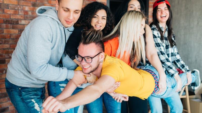 Team-building di socializzazione di svago di Millennials fotografia stock libera da diritti