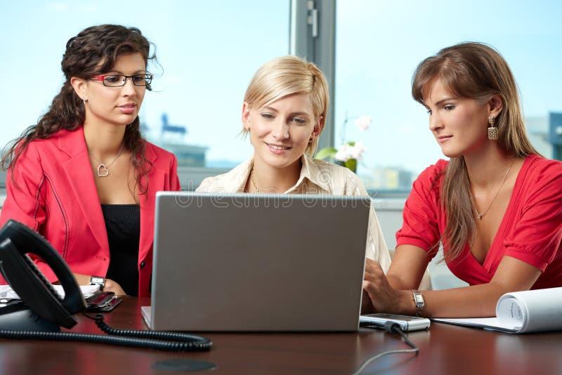 Team der Geschäftsfrauen stockfotografie