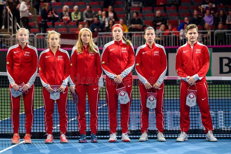 Team Latvia para FedCup, antes jogo redondo do grupo II do mundo do primeiro fotografia de stock royalty free