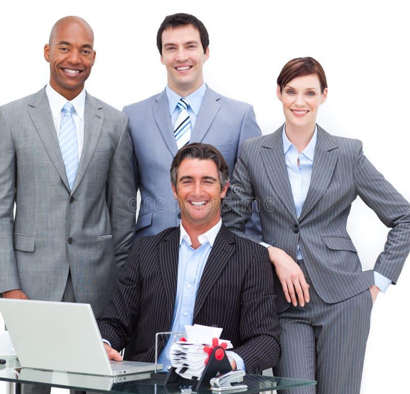 team tätt lyckligt för affär upp royaltyfri bild