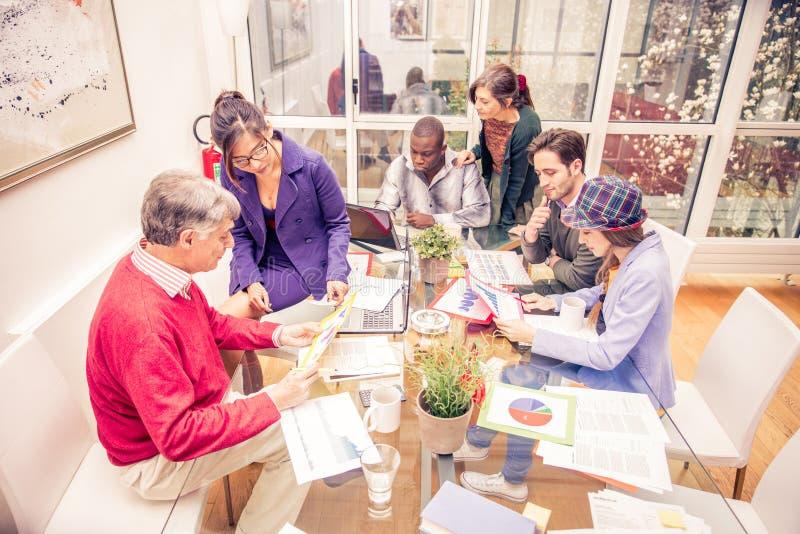Team van creatieve bedrijfsmensen royalty-vrije stock afbeelding