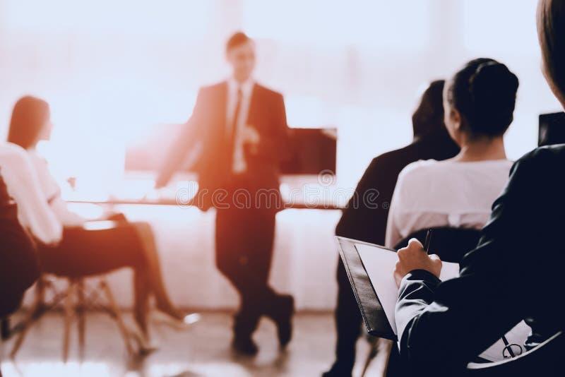 Team van Managers op Commerciële Vergadering in Bureau royalty-vrije stock foto's