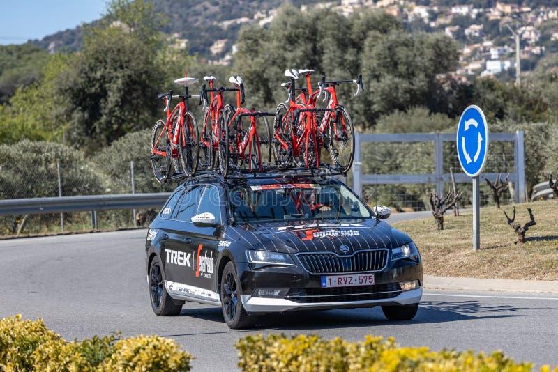 Teamauto van Road van Volta het Cirkelen in Catalonië op stadium 3 van Sant Feliu DE Guixols aan Vallter 2000 27 03 2019 Spanje stock afbeeldingen