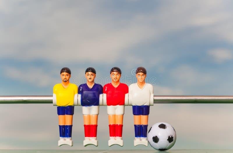 Teame del deporte de los futbolistas del fútbol de la tabla de Foosball fotografía de archivo