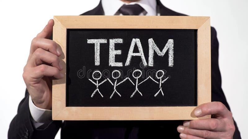 Teamleden op bord in zakenmanhanden, samenwerking op project worden getrokken dat royalty-vrije stock afbeeldingen