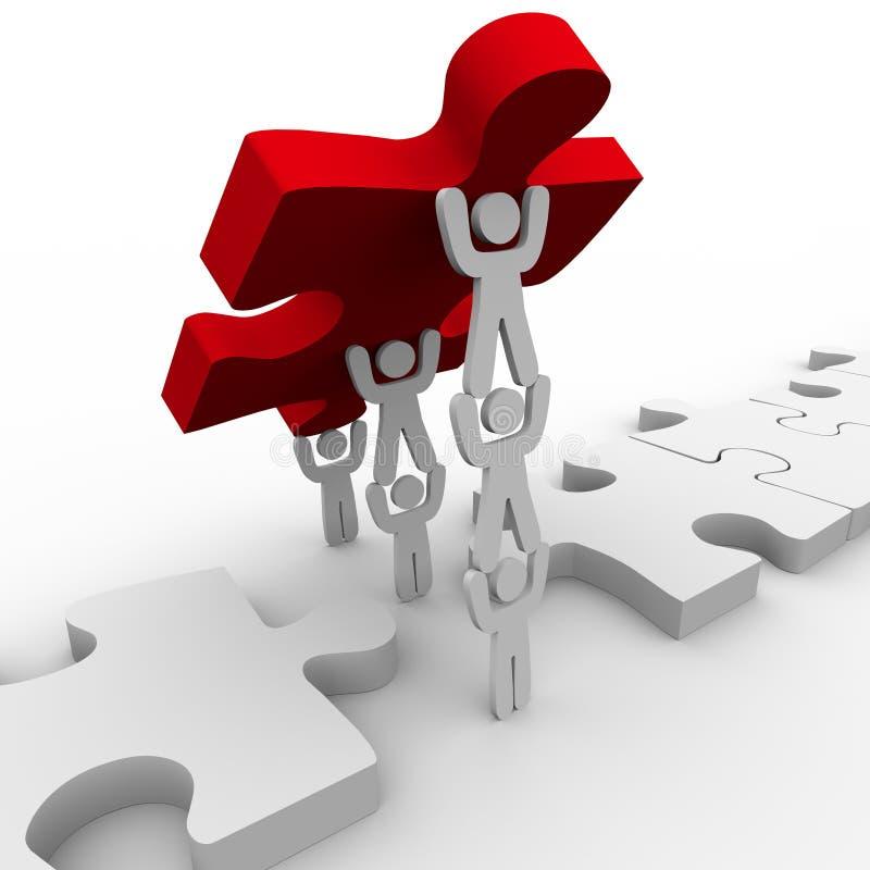 Teamwork, die abschließendes Stück in Puzzlespiel legt lizenzfreie abbildung