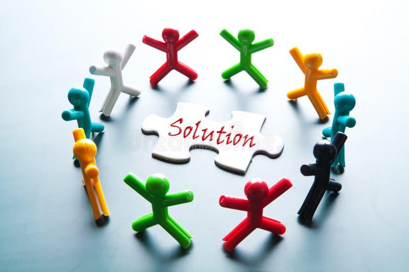 Teamwork för löser problem royaltyfri bild