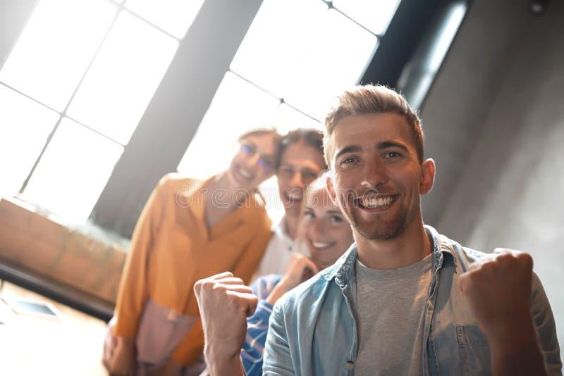 Teamworkenhetbefästning Enhet och teamworkbegrepp arkivbild