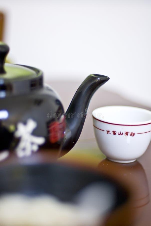 Teapot e copo chineses fotos de stock