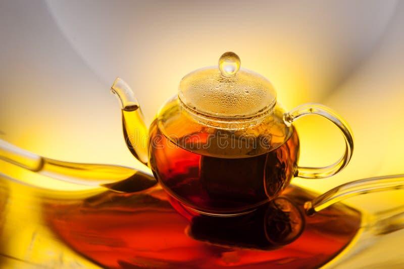 Download Teapot med tea arkivfoto. Bild av begrepp, objekt, beverly - 76703588