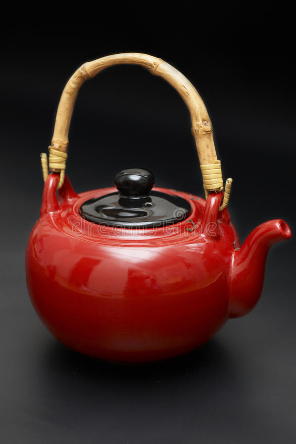 Teapot vermelho do lombo imagem de stock royalty free